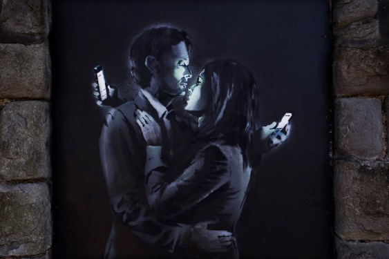 bansky-2-lovers-mobile